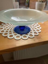 Glass fruit bowl.