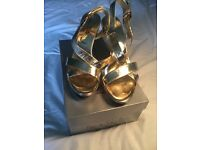 Jane Shilton Gold Heels Size 7