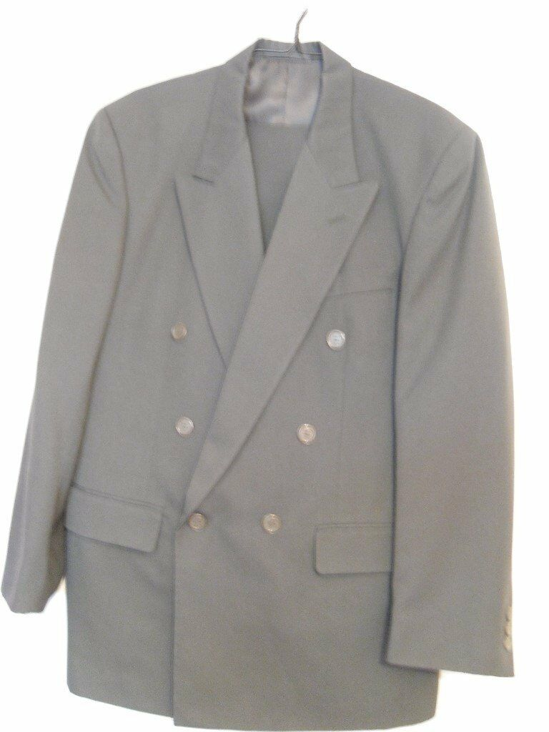 Men's tailored suit - jacket 38, trousers 32 R - hardly worn - Excellent Condition