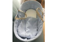 Clair de Lune Palm Moses Basket (blue) & Deluxe Rocking Moses Basket Stand (Natural)