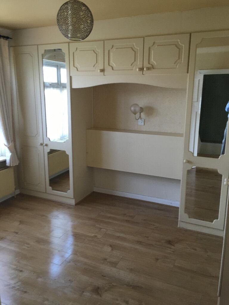 BEATIFUL 4 BEDROOM HOUSE IN NEWBURY PARK, ILFORD