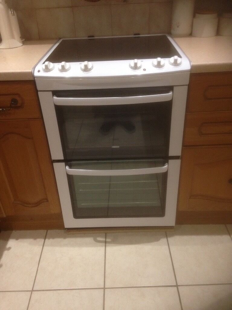 Cooker In Kitchen ~ Zanussi cm free standing cooker months old new fitted