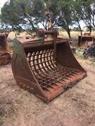 Sorting skeleton buck 45- 60 ton excavator Melton Melton Area Preview