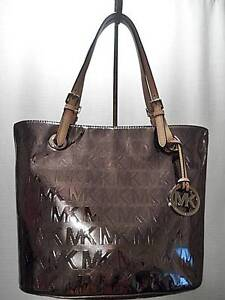 NEW-MICHAEL-KORS-JET-SET-SIG-TEXT-MIRR-METALLIC-MD-TOTE-NICKEL-248-MSR-HANDBAG
