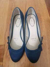 Navy court shoes, size 6