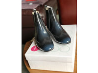 Boden Brogue-style Chelsea Ankle Boots - size 3 (36)