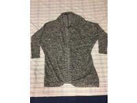 Grey jumper (shoulder width 44cm, length 73cm)_50p