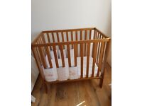 Mamas and papas petit cot
