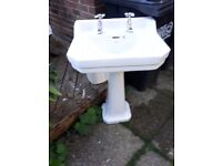 Classic style bathroom sink