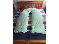 Maternity U shaped pillow in pillow case