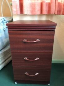 Small 3 drawer chest of drawers with wheels