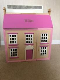 Dolls House with figures