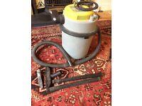 Earlex Wet and Dry Vacuum
