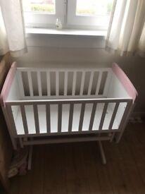 Minnie Mouse Gliding Crib