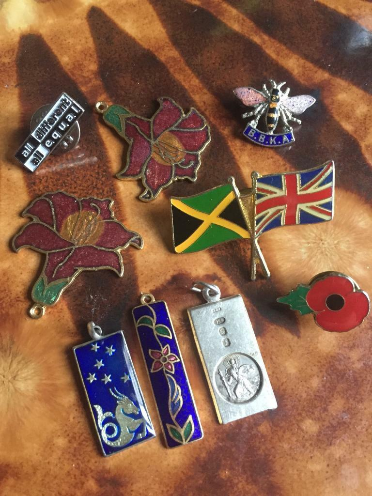 Assorted trinkets and pins