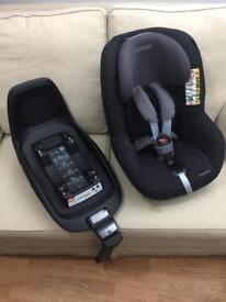 Maxi cosi 2 Way pearl car seat with 2 way family fix base