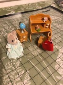 Sylvanian Families Sister's Desk Set