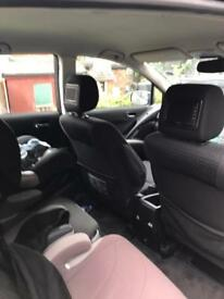 7 seater with 2 dvd