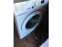 White Indesit washing wachine