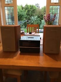 SONY MICRO HI-FI COMPONENT SYSTEM WITH IPOD CONNECTION, CD & RADIO