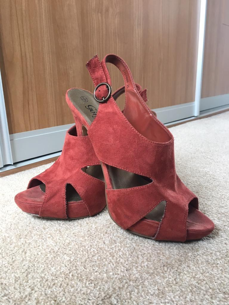 Orange stiletto heels - size 6