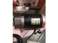 Mini oiless stubby air compressor