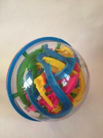 Toy maze ball