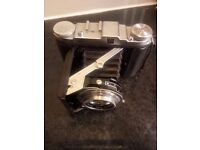BELLOWS MEDIUM FORMAT F2.9 FOLDING CAMERA VINTAGE CLASSIC COLLECTABLE