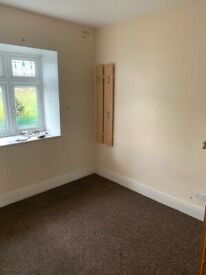 Spacious 3 bed house in Gantshill part dss welcome