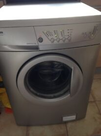 Zanussi washing machine - works but selling for spares and repairs