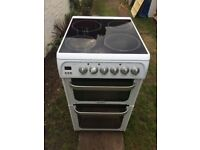 **HOTPOINT**50cm ELECTRIC COOKER**CERAMIC**WHITE**COLLECT\DELIVERY**VERY GOOD CONDITION**NO OFFERS**