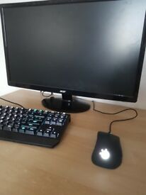 Gaming pc with monitor, keyboard and mouse