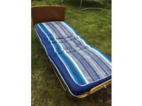 Single zed bed