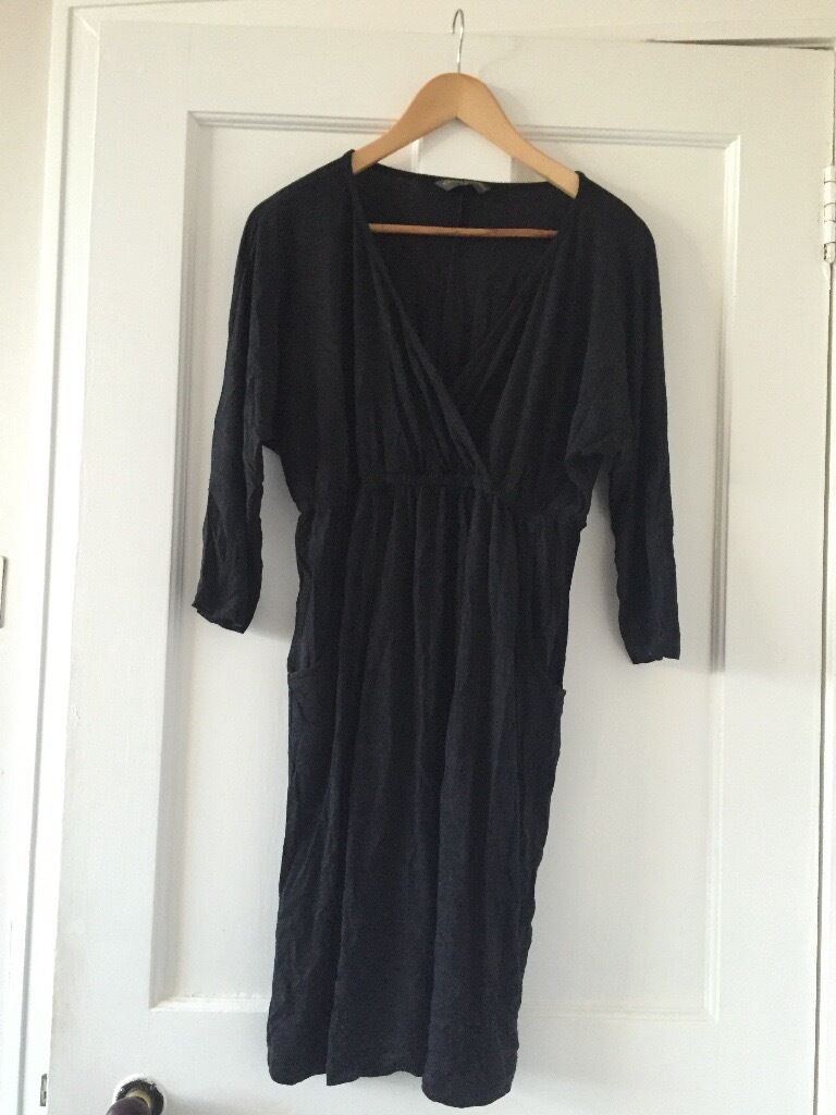 Maternity clothes bundle, size 14in AberdeenGumtree - Maternity clothes bundle, size 14 All in great condition. Bundle includes Next navy tartan dress (size 12 but big) Mothercare grey dress Mothercare white long sleeve top Asos burgundy dress, breastfeeding dress New look navy denim jeggings H&m black...
