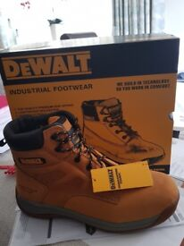 New safety boots size 9