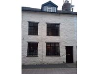 3 Bedroom House, New St Welshpool, Powys