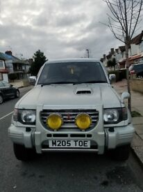 MITSUBISHI PAJERO 1995 WHITE + SILVER FSH 1 OWNER AMAZING CONDITION VIEWING IS A MUST #MAuto(S)