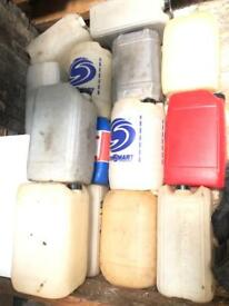 14x Jerry cans containers petrol diesel drums