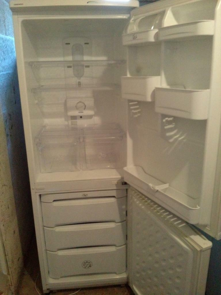 daewoo fridge freezer erf -334m | in Keynsham, Bristol | Gumtree