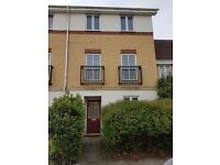 4 bedroom House in Thamesmead West, 3 shower rooms, Garage, newly decorated, 10 min to Plumstead st.