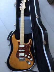 American Fender Deluxe Stratocastor 2005 with original hard case