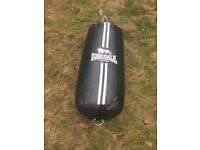 Lonsdale punch bag with hooks
