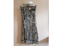 Womrns Apricot black & cream long length patterned skirt with black belt size 14
