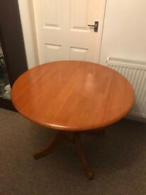 Round kitchen/dining table and 2 chairs
