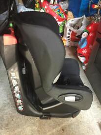 Maxi cosy axiss swivel car seat