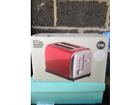 2 slice toaster in red/silver