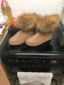 Ladies leather fur trim boots