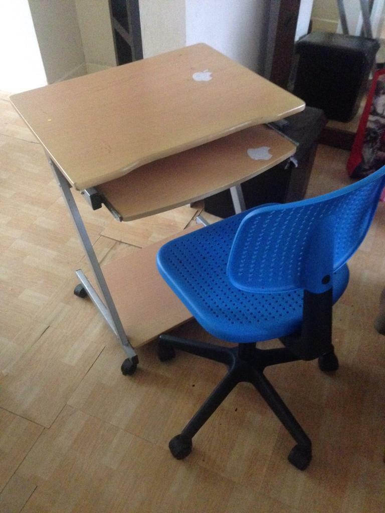 Computer chair and computer desk excellent conditionin Edge Hill, MerseysideGumtree - Computer chair and computer desk excellent condition. Cash on collection only. Computer chair and computer desk excellent condition