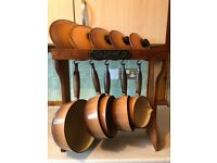 Le Crueset cast iron hanging pot set (Hazelnut)