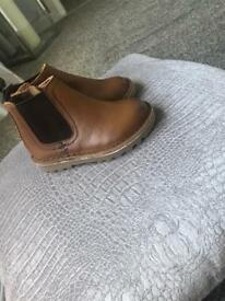 River island toddler Chelsea boots size 5